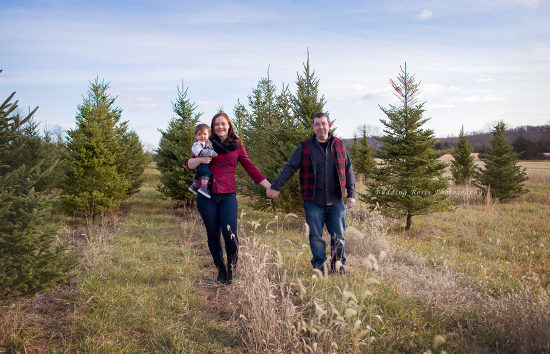 christmas tree farm pictures, family pictures, family picture inspiration, new jersey photographer, nj photographer, family photographer nj